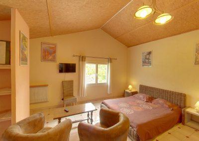 Appartement double chambre avec kitchenette